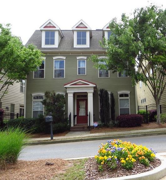 Home In Abberley Towneship Johns Creek